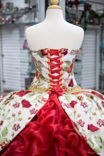 Xv De Rubí Diseñador De Dallas Le Manda Vestido A La Famosa