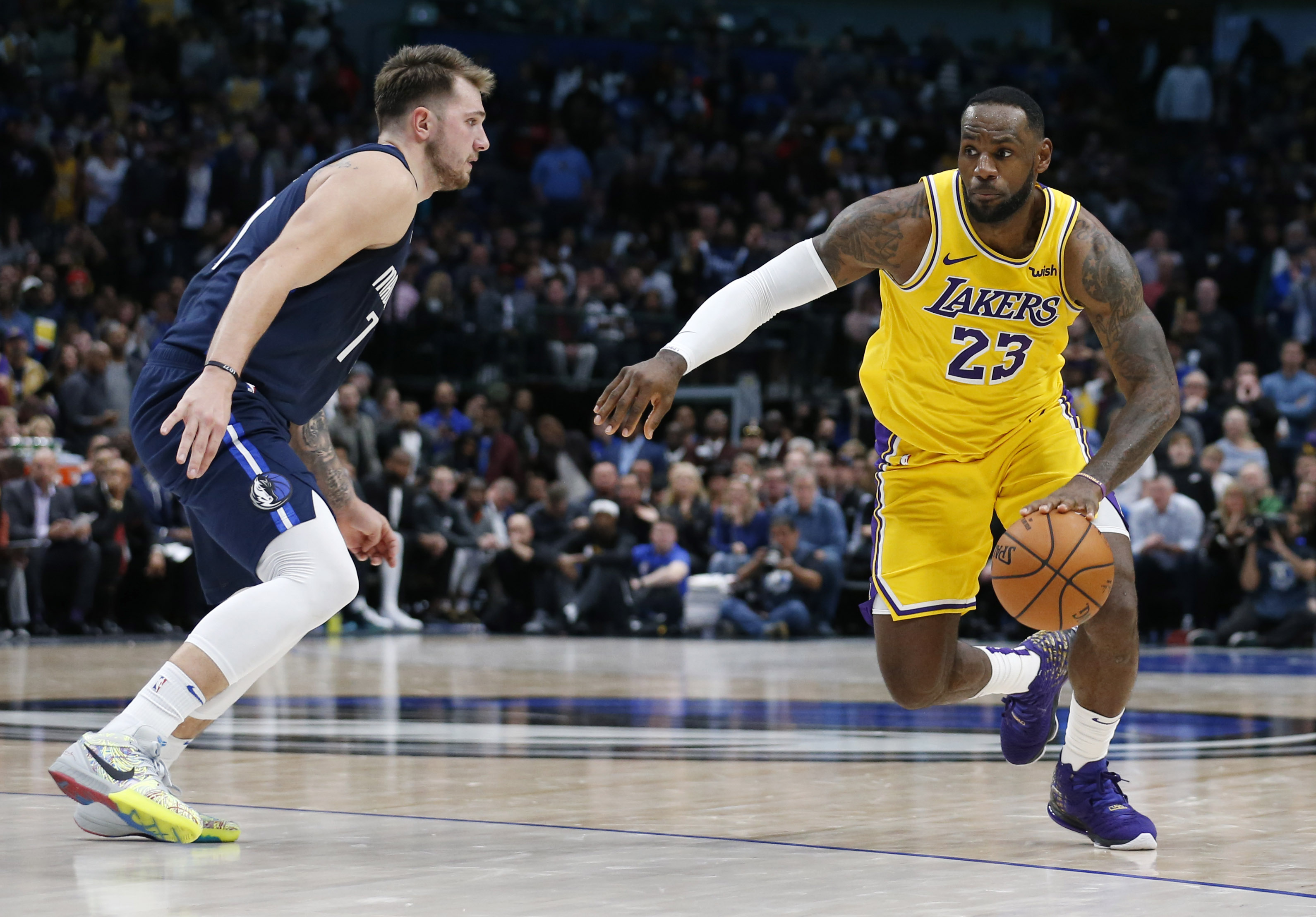 basketball player breaks leg 2020
