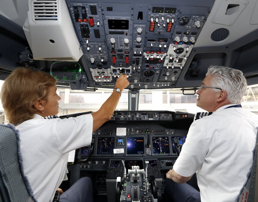 American Airlines' pilots union accepts company's last