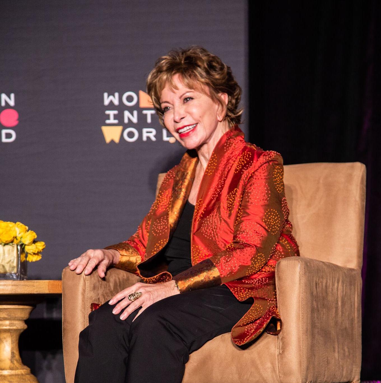 Dallas: Isabel Allende quiere escribir un libro sobre su madre
