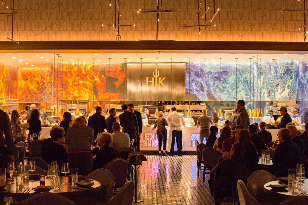 Gordon Ramsay Brings Hell S Kitchen To The Vegas Strip